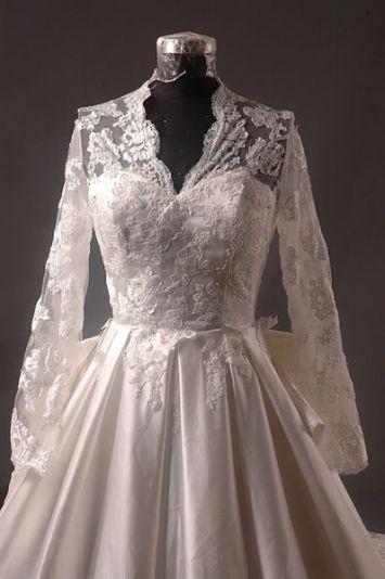 398px-Kate_Middleton_Royal_Dress_Replica_-_Front_Bodice