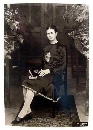 Frida_Kahlo,_by_Guillermo_Kahlo_4